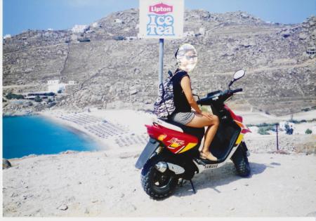 2000 スーパーパラダイスビーチへバイクで向かう
