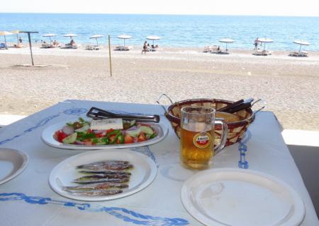 ジェナディビーチの昼食
