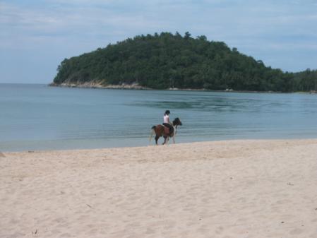 ラヤンビーチでの乗馬
