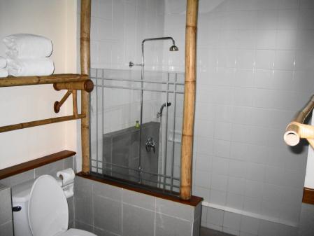 ラヤン バスルーム