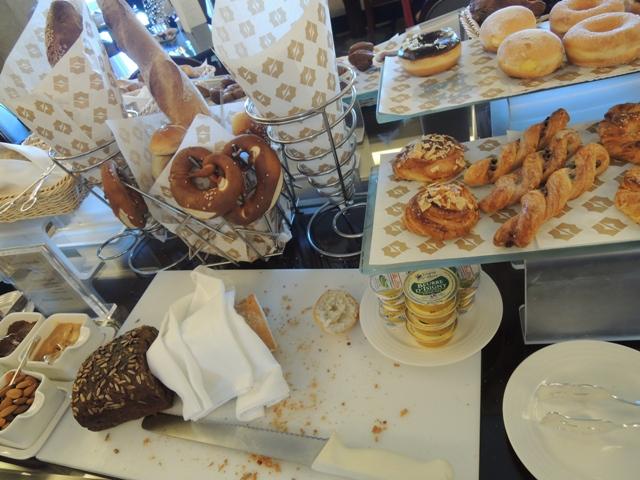 クラブ 朝食14