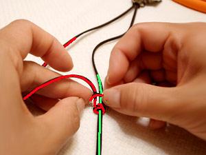 アクセサリー紐の結び方03
