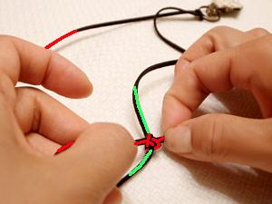 アクセサリー紐の結び方05