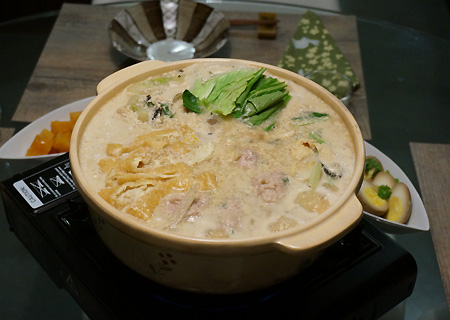 豆乳ゴマ味噌鍋