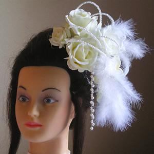 ホワイトローズとファーの結婚式髪飾り