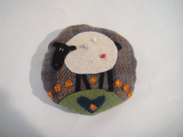 羊ピンクッション