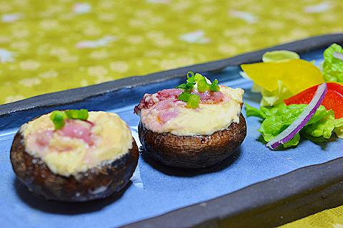椎茸チーズメイン