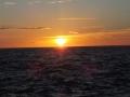 わずか3分から5分で水平線から消えて行く太陽