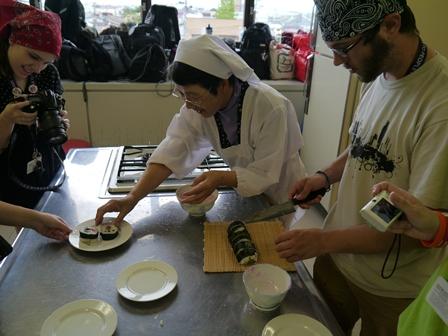 絵巻寿司体験4