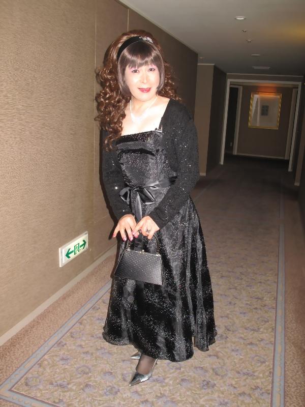 091218黒ドレス(1)