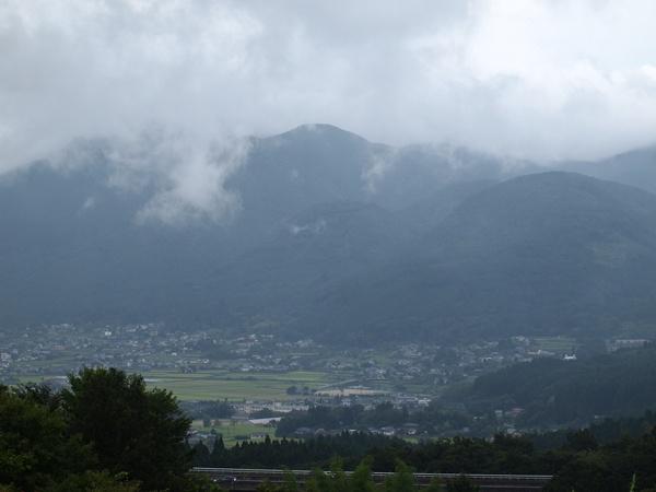 丘から見た由布院盆地