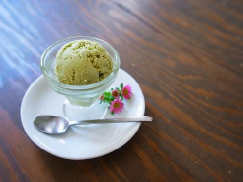 アボカドとココナッツのアイスクリーム