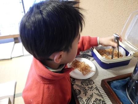 サービスの揚げ蕎麦