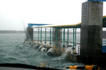 トッピー乗り場台風前