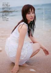 皆藤愛子がキャミソールで濡れ濡れ画像