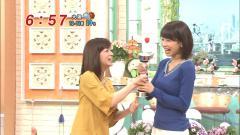 加藤綾子アナのニットセーター横乳エロ画像