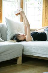 戸田恵梨香のナマ脚ホットパンツ画像