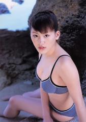 綾瀬はるか伝説の巨乳エロビキニ画像