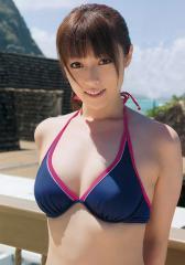 深田恭子の最新ビキニのおっぱい画像