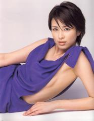 吉瀬美智子のノーブラグラビア画像