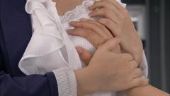 瀧本美織が乳を揉まれる画像