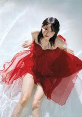 松井玲奈の濡れ濡れ透けドレス画像