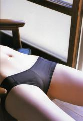 秋山莉奈の透け透け筋どアップ画像