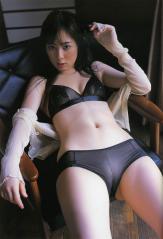 秋山莉奈の食い込みマンスジ画像