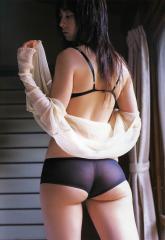 秋山莉奈尻の割れ目透け画像