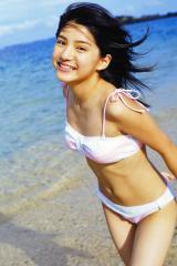 川島海荷のビキニおっぱい画像