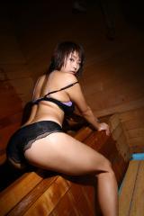堀田ゆい夏のプリケツバックスタイル画像