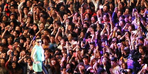 【ネット】 レディー・ガガ3年分の再生回数を58日で破ったK-POP「江南スタイル」、なぜか1位から100位圏外に…YouTube仕様変更後