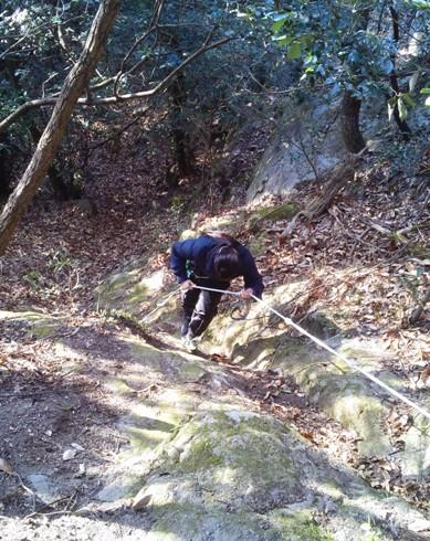 そんなにたくさんの人が登る山でもないのに、ちゃんとロープしてくれてるなんて有り難いね~。