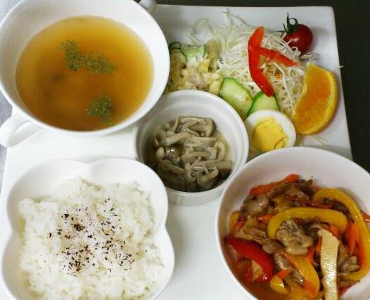 彩り野菜のチンジャオロースー
