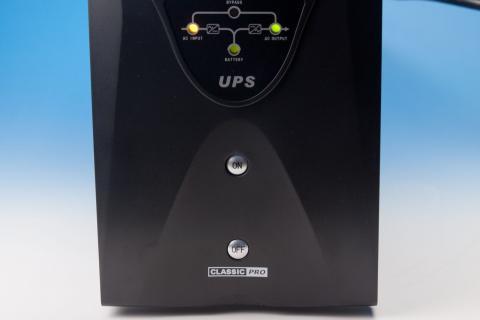 サウンドハウス UPS 1500PS スイッチ