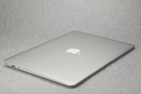 MacBook Air 2012 13インチ 全景