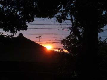 神社で日の出2