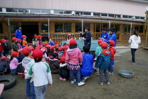 2006-06-30 24年度11月中学生職場体験学習、たき火、焼き芋 017 (800x533)