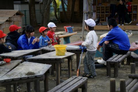 2006-06-30 24年度11月中学生職場体験学習、たき火、焼き芋 081 (800x533)
