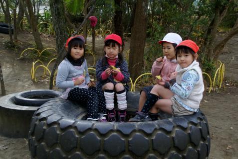 2006-06-30 24年度11月中学生職場体験学習、たき火、焼き芋 079 (800x536)