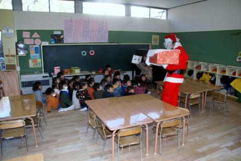 2006-07-14 24年12月12月誕生会、サンタ、手をつなごう 059 (800x533)