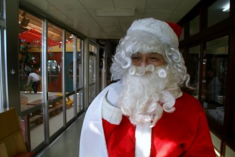 2006-07-14 24年12月12月誕生会、サンタ、手をつなごう 065 (800x535)