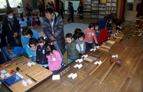 2006-08-30 24年度1月29日大工仕事林建築 011 (800x514)