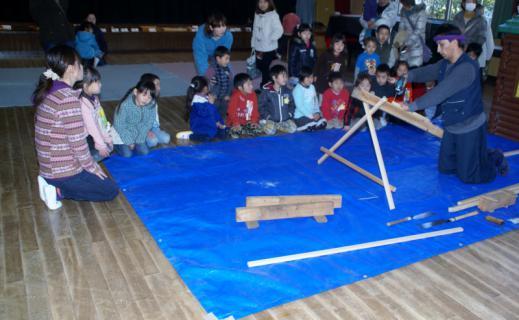 2006-08-30 24年度1月29日大工仕事林建築 022 (800x493)