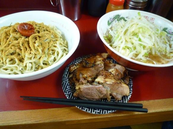 12年5月20日 相模大野 ブタラーメン(炙り豚) お茶漬け~麺 ヤサイニンニク