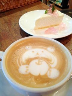 ダブルトール@原宿 カフェラテ&レアチーズケーキ