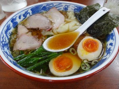 とら食堂 ワンタン麺