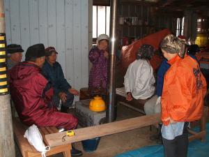 20121216重箱石しめ縄作り01