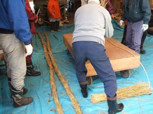20121216重箱石しめ縄作り09