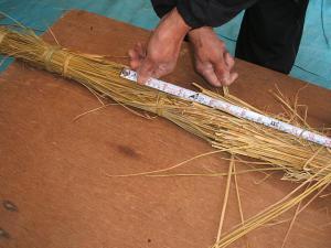 20121216重箱石しめ縄作り11